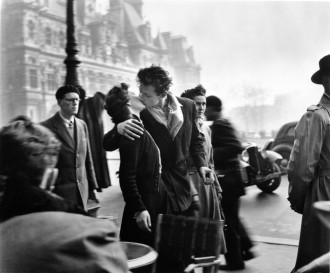 The Kiss at Hotel de Ville