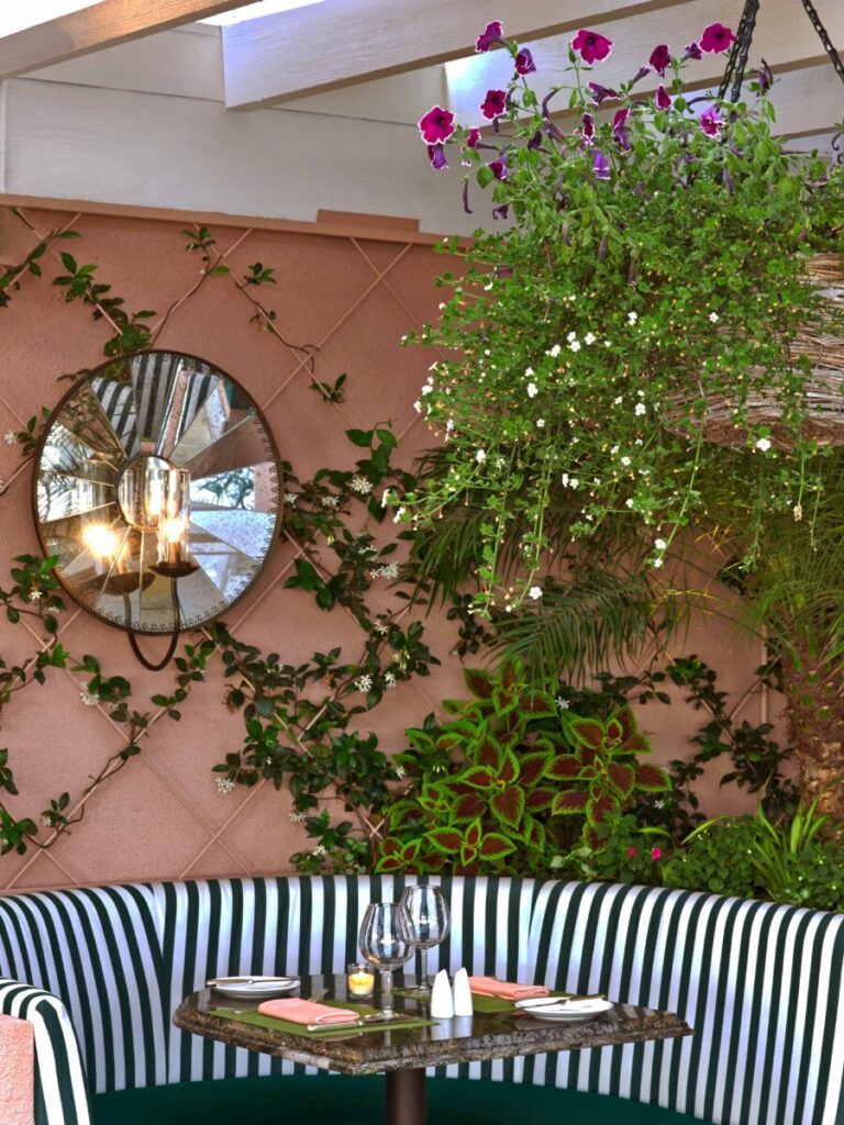 Top 5 Reasons to Stay at The Beverly Hills Hotel