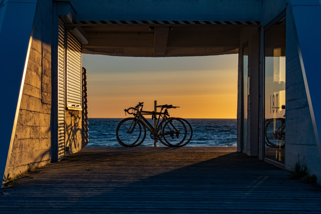bicycles in the sunset t20 Oz09rE